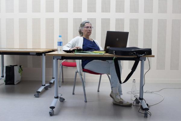 Workshop Elève derrière un ordinateur